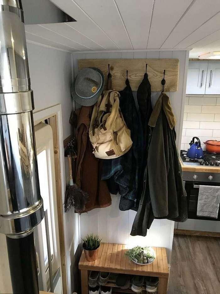 Находчивая пара из Британии переоборудовала грузовик в дом на колёсах, чтобы путешествовать
