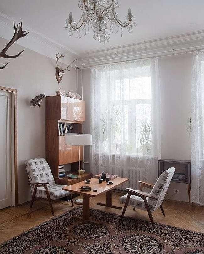 Ковер на стене и люстра -Тюльпан-: 16 квартир в стиле СССР, время в которых остановилось