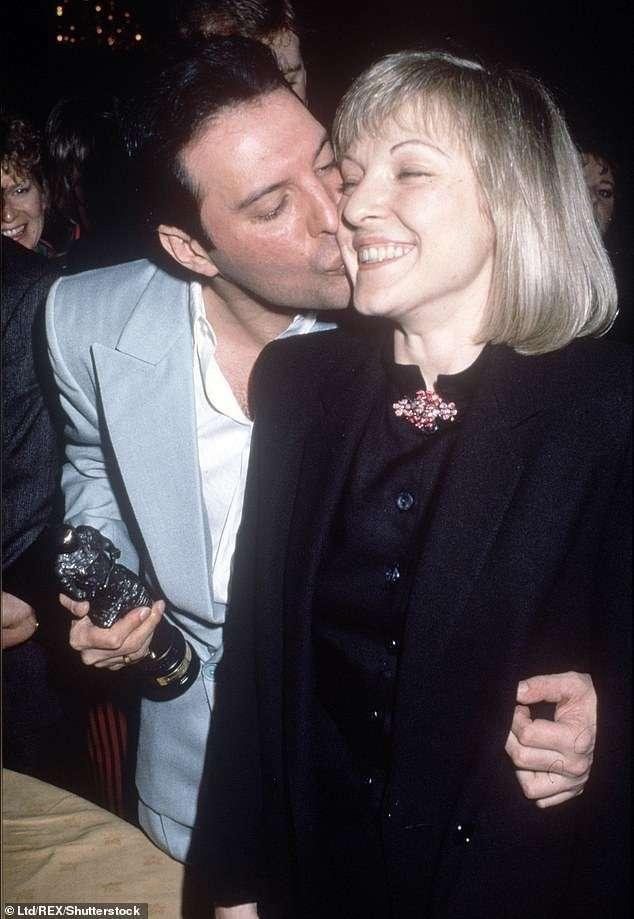 Фредди Меркьюри и единственная женщина в его жизни - Мэри Остин-7 фото-