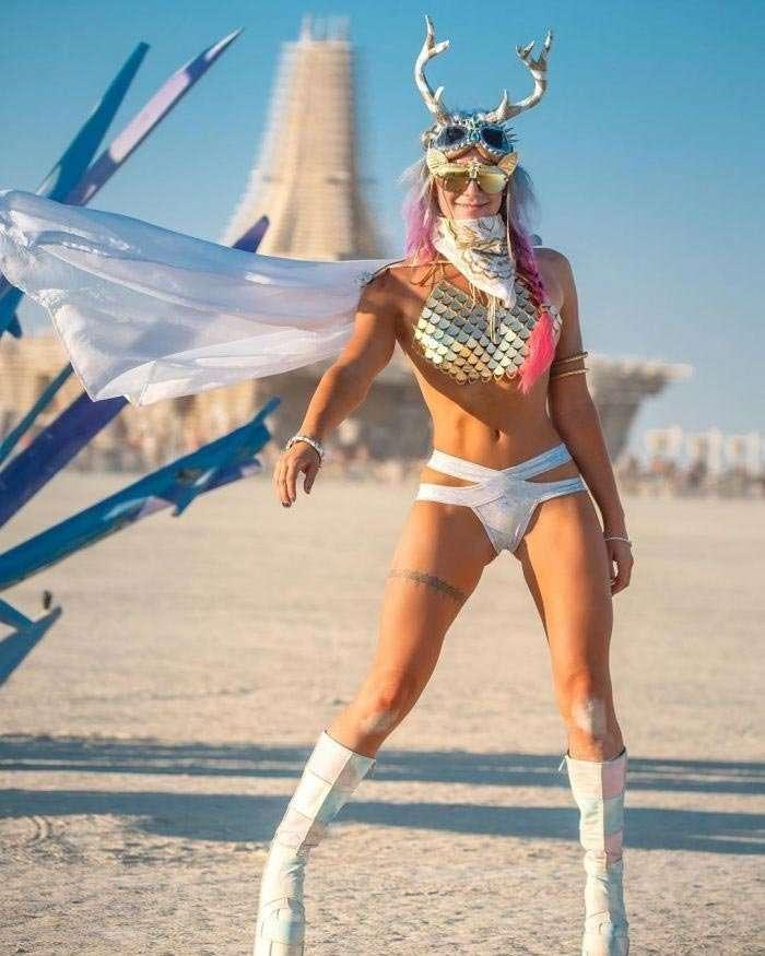 Красивейшие девушки на Burning Man 2018