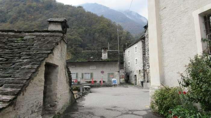В Швейцарии целая деревня может стать отелем