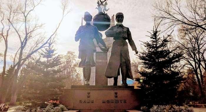 Алия и Маншук — казахские супергероини Великой Отечественной-5 фото-