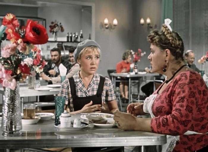 Фильм -Королева бензоколонки-: актеры и судьба-10 фото-