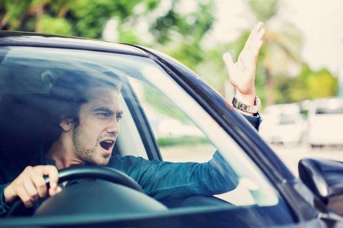 Этикет на дороге: как правильно должен вести себя водитель?