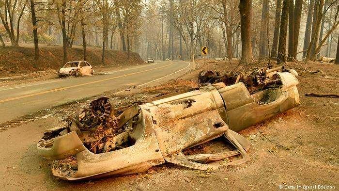 Теории заговора вокруг причины пожаров в Калифорнии: Лазерное оружие, крушение НЛО и Иллюминаты -4 фото-