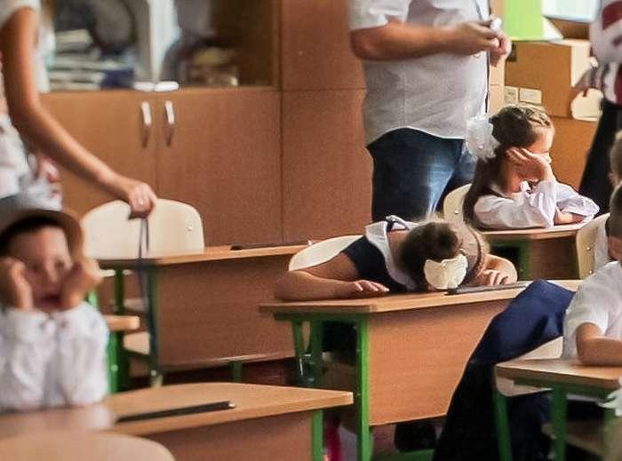 Родители честно рассказали, что имненравится всовременной школе. Набралось 12острых вопросов