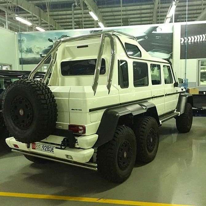 Арабы превратили Mercedes Gelandewagen 6X6 в яхту на колесах-8 фото-