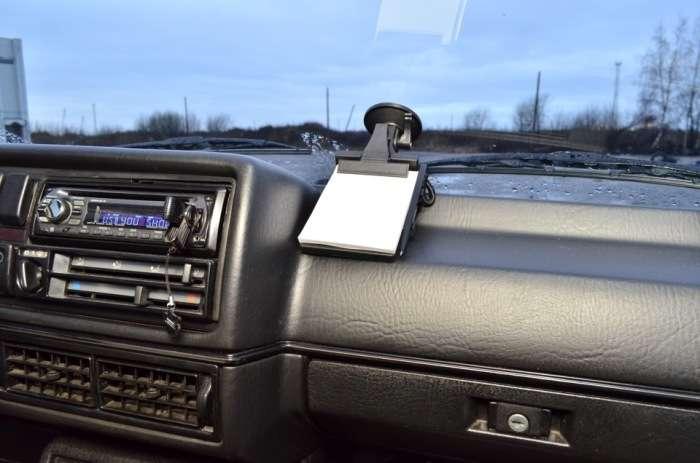 8 вещиц, которые просто -must have- для каждого водителя в салоне автомобиля