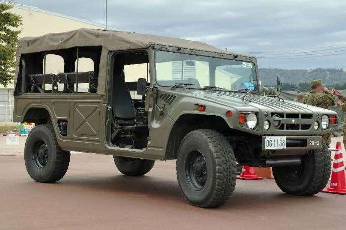 Toyota Mega Cruiser - супернадежный внедорожник, на который оборачиваются даже владельцы -Геликов- и -Крузаков-
