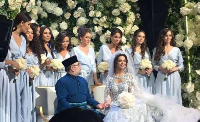 Обладательница титула -Мисс Москва- вышла замуж за короля Малайзии