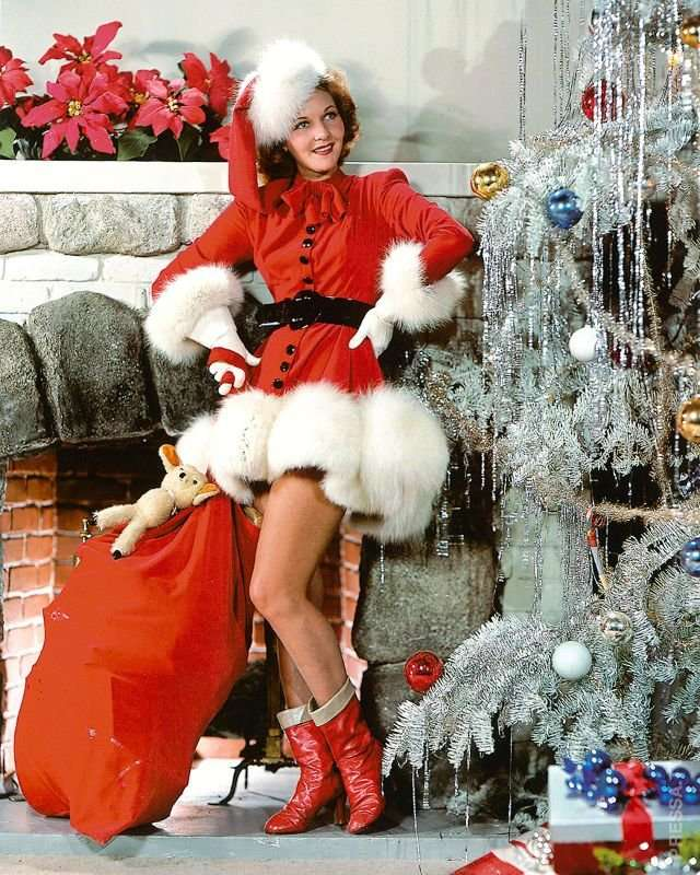Признанные красавицы прошлого на Рождество