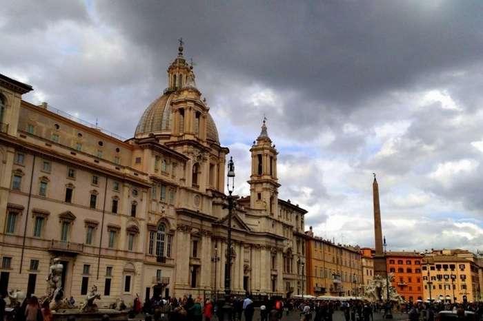 Страшные легенды и истории площади Навона в Риме. Римский папа, его «папесса» и другие (15 фото)