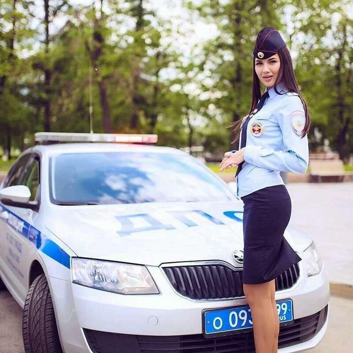 Начальница, оформляй: сногсшибательные девушки ГИБДД-23 фото-