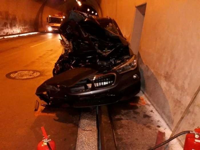 В Словакии водитель совершил эффектный пируэт и даже не пострадал-3 фото + 1 видео-