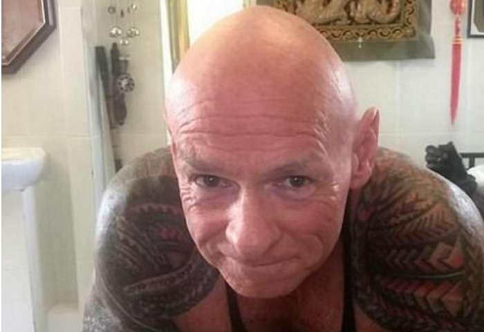 Мужчина потратил 9,5 тысяч долларов, чтобы сделать татуировку на всем теле
