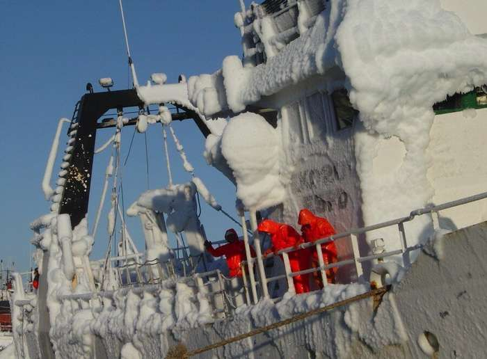 Обледенение судов, или как влажный ледяной ветер топит корабли