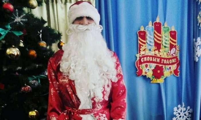 Такие разные Деды Морозы и Снегурочки-26 фото-