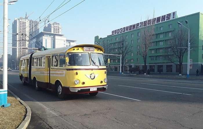Троллейбус, в котором однажды проехал Ким Ир Сен, 50 лет ездит, не потребляя электричество-1 фото-