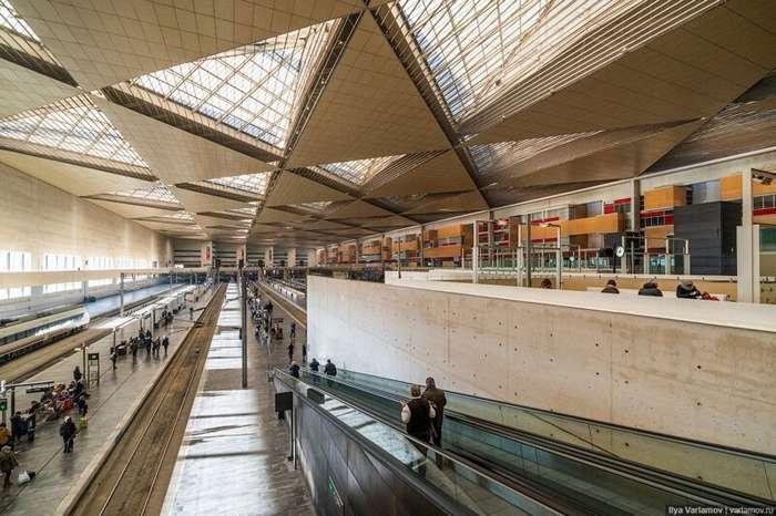 Испания: вокзалы, АЗС-киоски, -антикарманы- и самый жирный кот-51 фото-