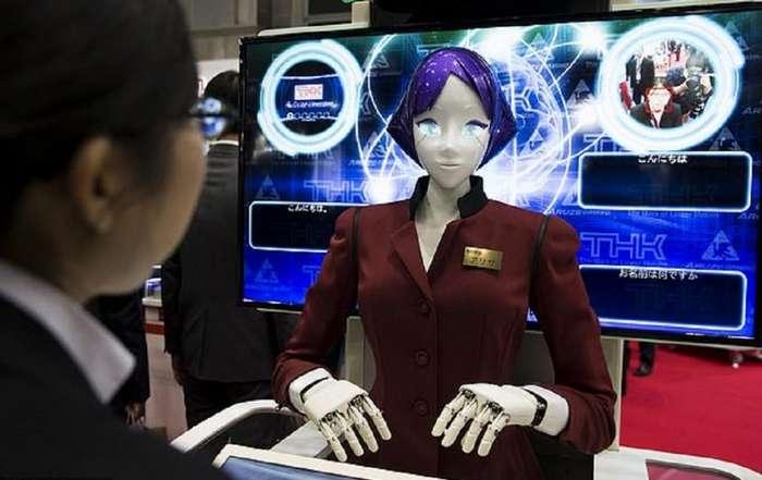 В токийском метро протестировали говорящих роботов. Они начнут работать к Олимпиаде 2020 года