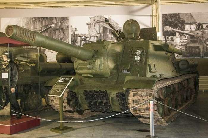 Рассказы об оружии. ИСУ-152 снаружи и внутри (33 фото)
