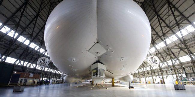 «Летающий зад»: самый длинный в мире дирижабль больше не полетит (2 фото)