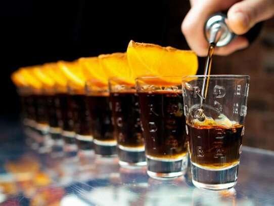 История спиртных напитков-7 фото-