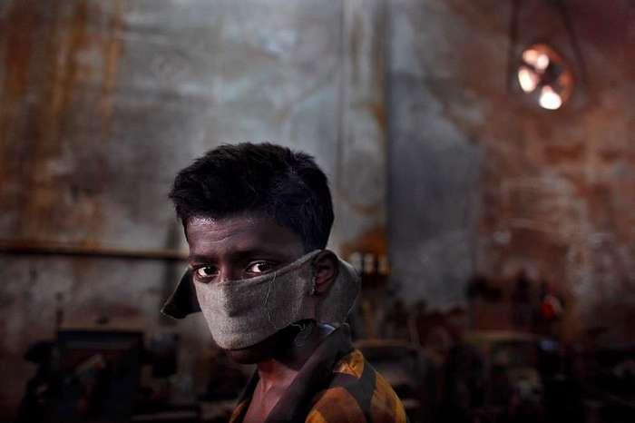 С широко закрытыми глазами: детский труд в разных частях мира.
