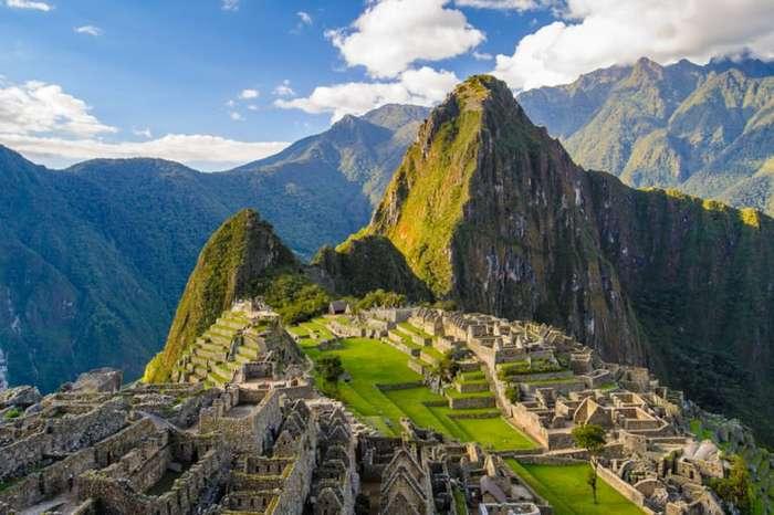 Когда гости не в радость: места планеты, разрушенные туристами