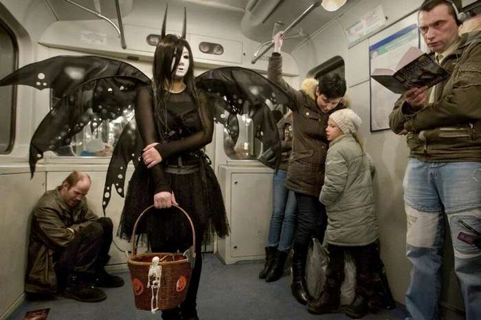 Мода российского метро: фрики из подземки (36 фото)
