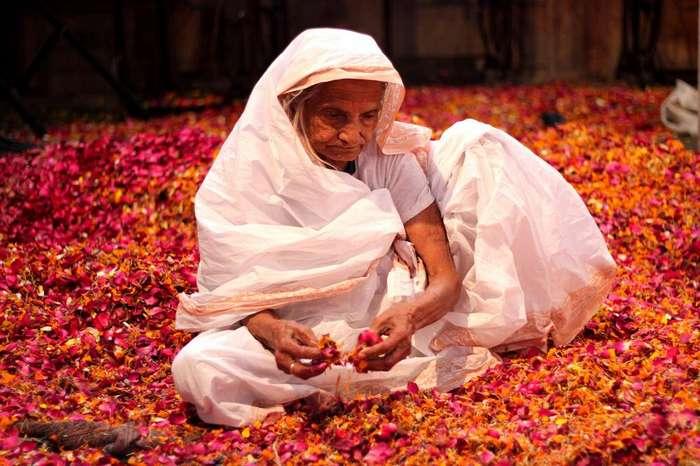 От шляп из волос - до забрасывания невесты яйцами: необычные традиции со всего мира