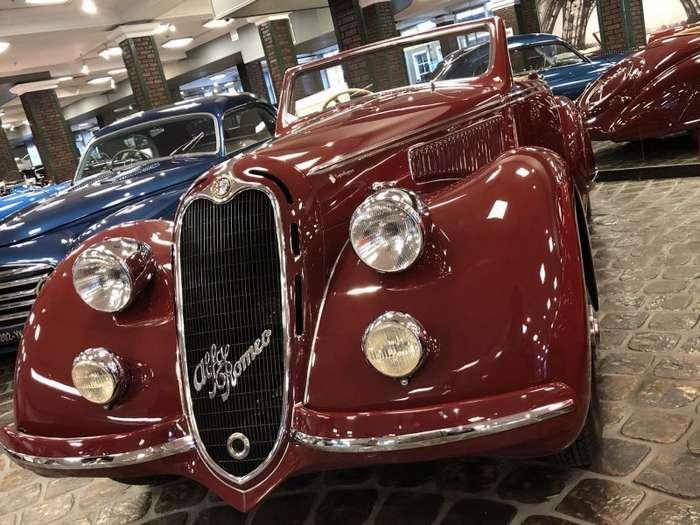 Легендарные автомобили ушедшего времени в частном музее техники-41 фото-