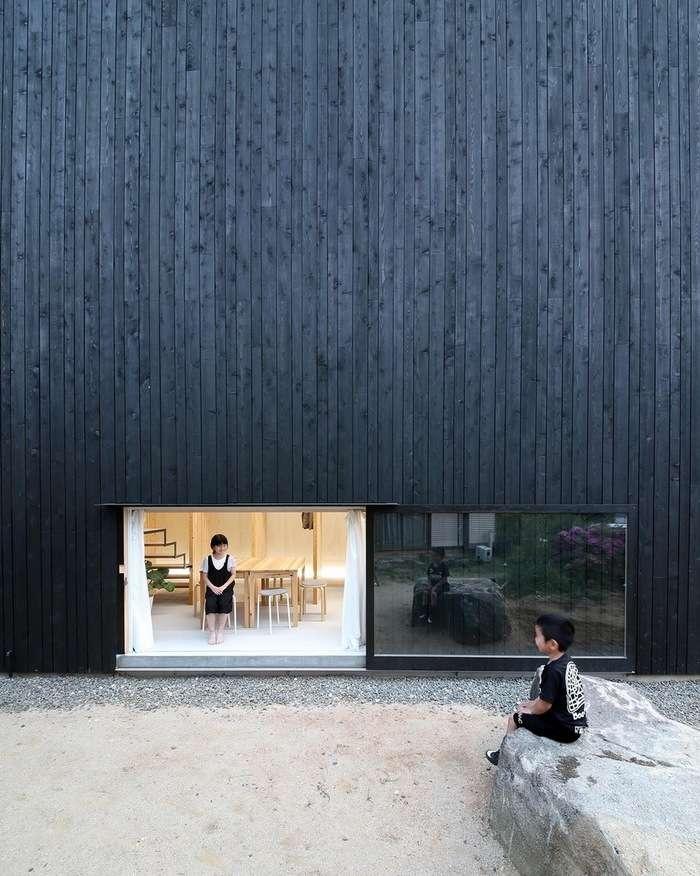 Черные дом без окон в Японии