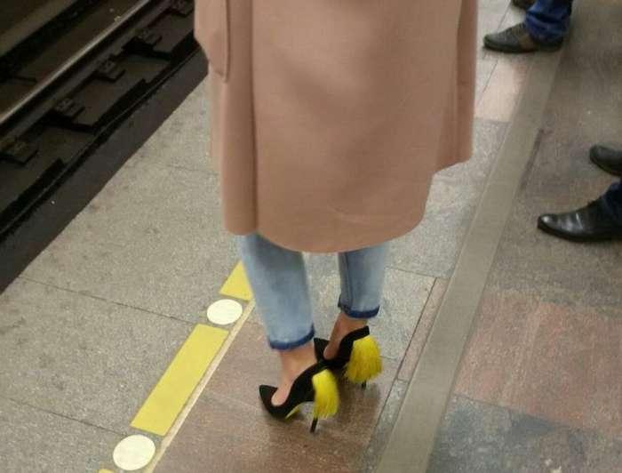 Весеннее обострение на фотографиях из метро юмор