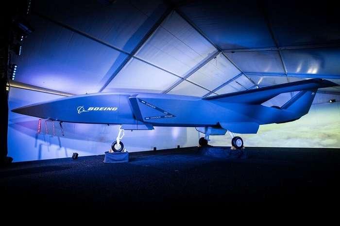 Boeing представил прототип беспилотного истребителя с искусственным интеллектом                      Интересное