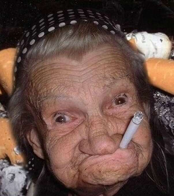 Бабка и наркоман: две вселенные. Анекдоты-1 фото-