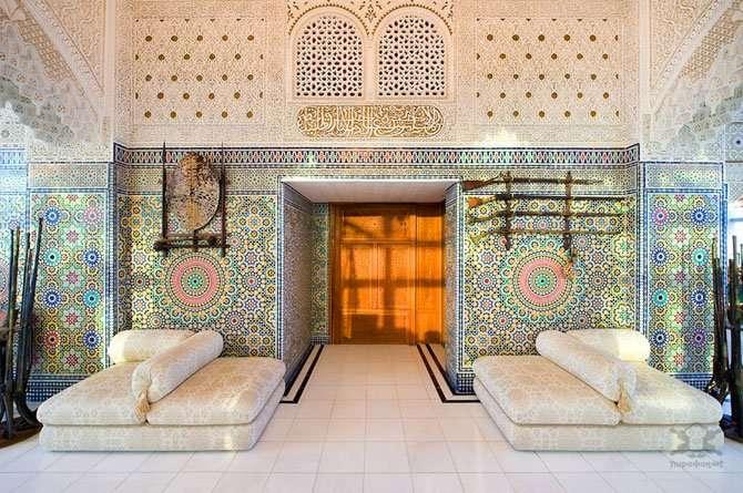 Арабский дворец внутри жилого комплекса