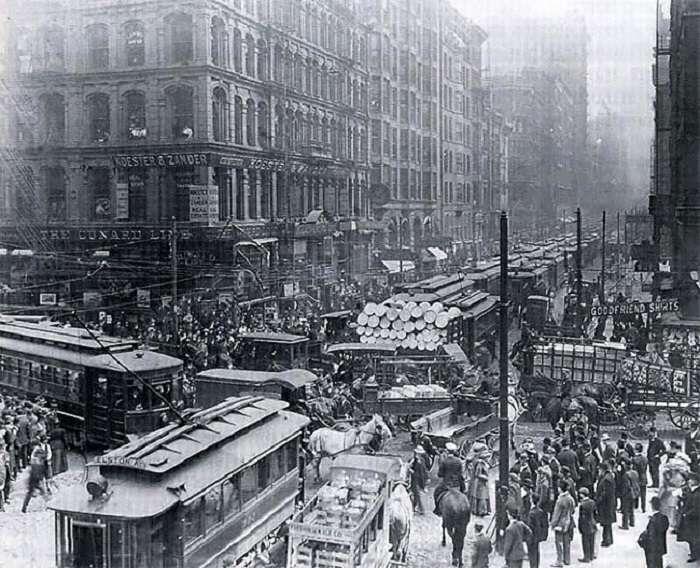 Фотографии пробок на дорогах в прошлом веке: как это выглядело