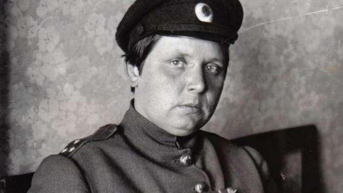 Только не с мужем: единственная женщина-командир батальона смерти в I Мировой