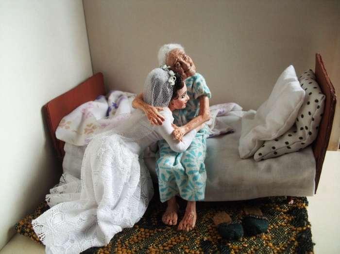 30 лет назад детям сибирячки не хватало игрушек. Так и родились ее -живые- куклы, каждая со своей историей