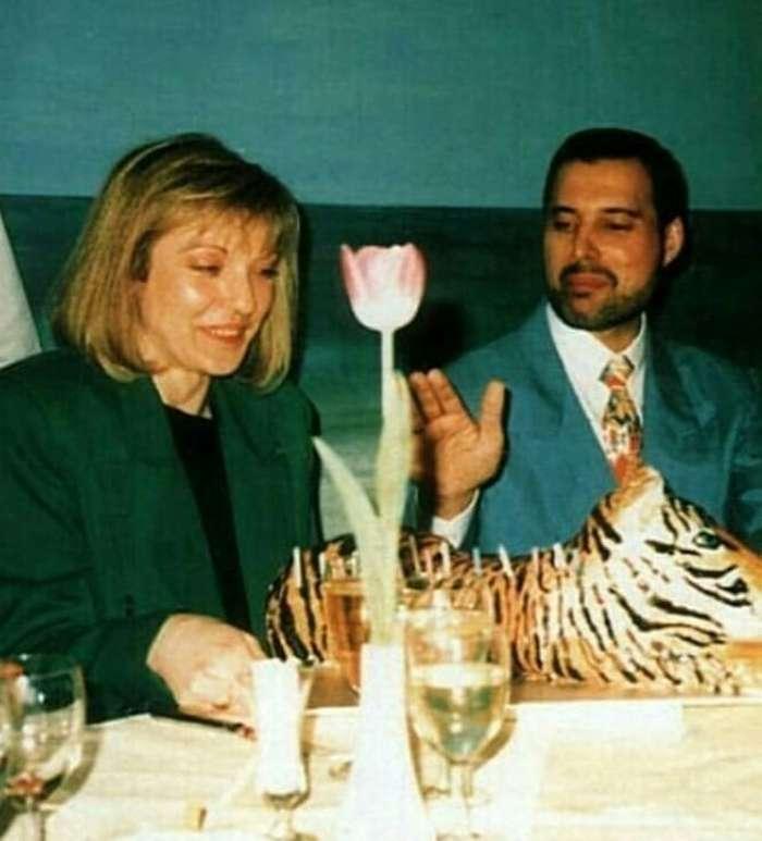 История единственной женщины, которую Фредди Меркьюри любил всю жизнь Интересное