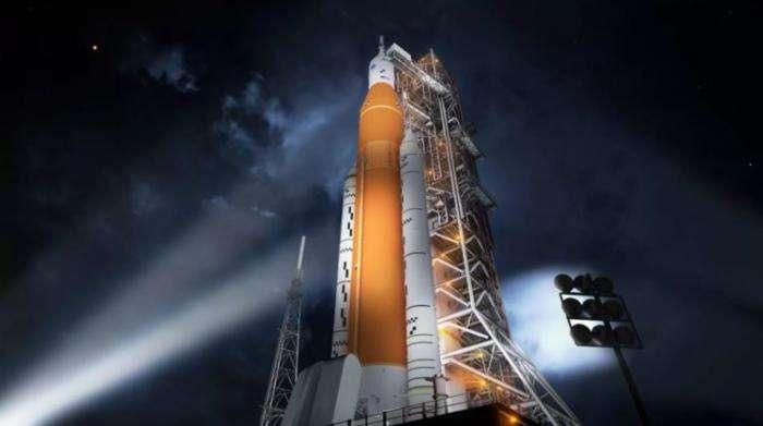 Если NASA решит использовать частную ракету в предстоящей миссии к Луне, это изменит всю космическую индустрию  Интересное