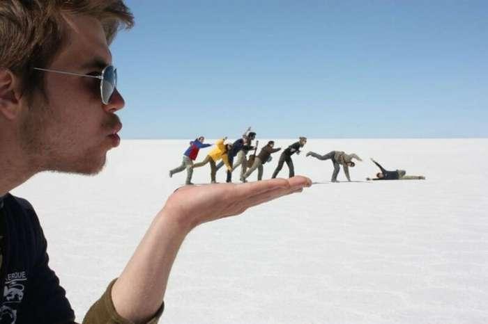 18 забавных фотографий, полученных в результате дерзкой игры с перспективой                      Интересное