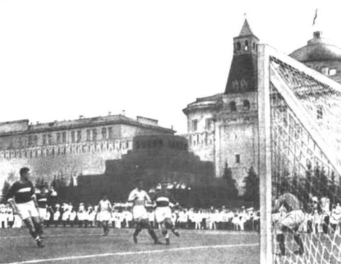 Футбол на Красной Площади                      Интересное