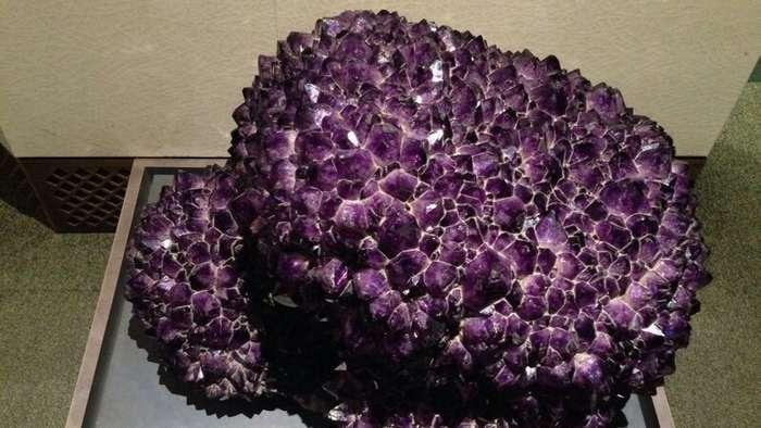 Галерея кристаллов и самый большой в мире известный кристалл кварца-7 фото + 1 видео-