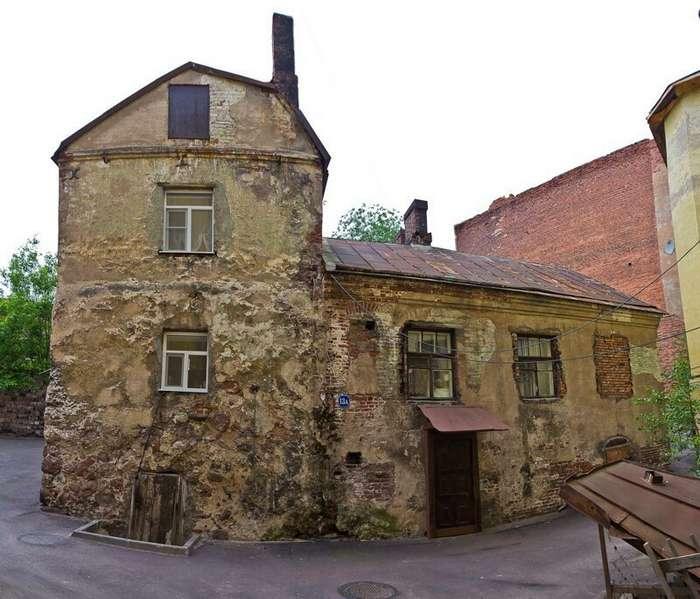 Самый старый жилой дом России                      Интересное