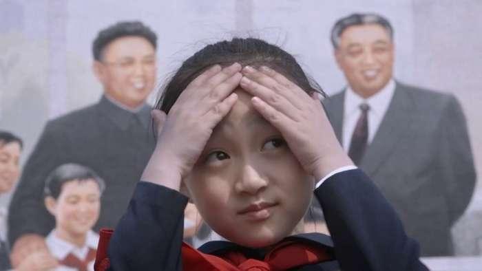 Режиссер должен был снять фильм осчастливой жизни вСеверной Корее. Ноему удалось показать правду Интересное