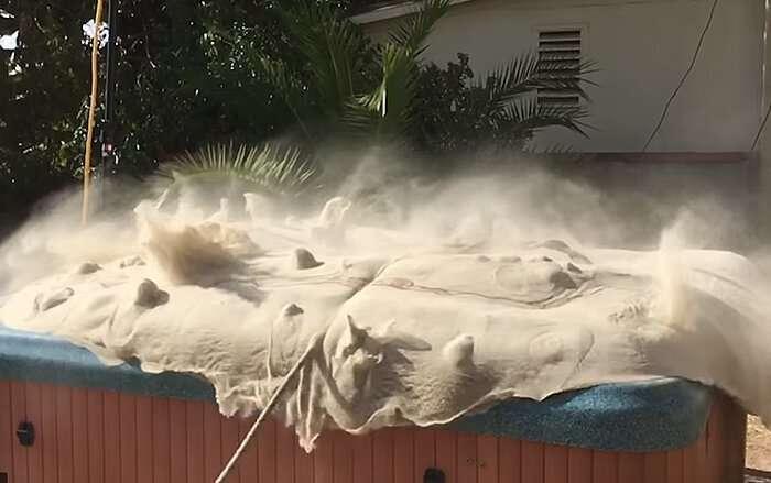 Бывший инженер НАСА сделал джакузи, где превратил песок в жидкость-5 фото + 1 видео-