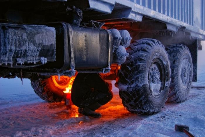 Зачем советские водители поджигали шины автомобилей перед тем, как отправиться в дорогу