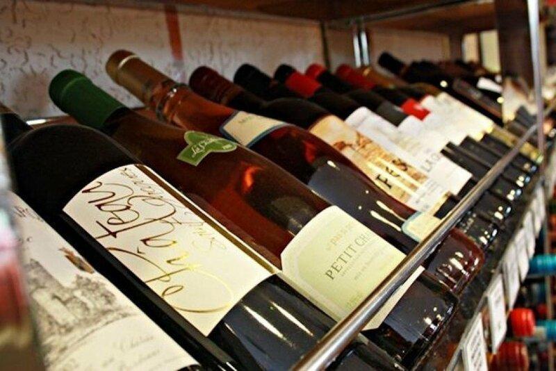 Лучший сомелье России заявил, что хорошее вино можно купить даже за три сотни                      Интересное